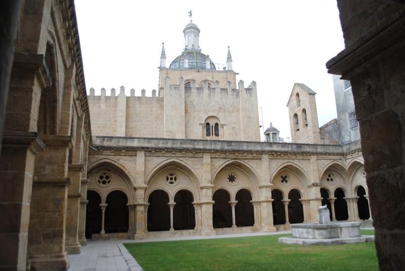 28 Coimbra cloître de la Sé (cathédrale)